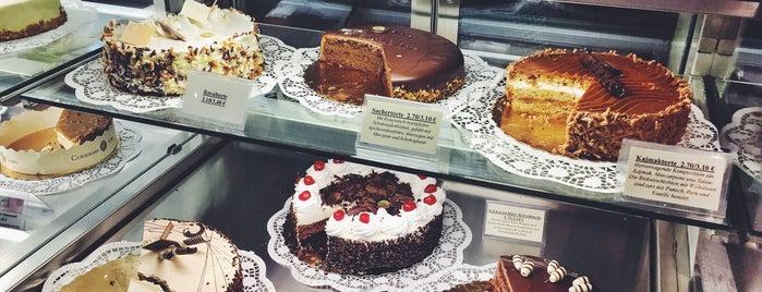 Café MetroPolen is one of cakes.