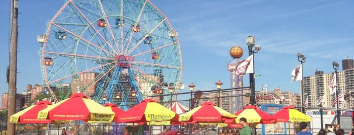 Coney Island Beach & Boardwalk is one of New York🗽🌃.