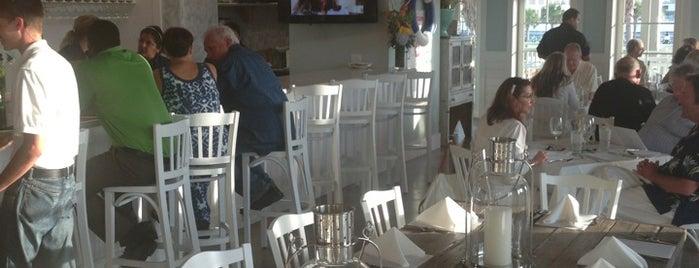 Porch Cafe is one of Usaj'ın Beğendiği Mekanlar.