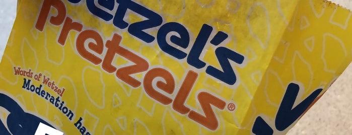 Wetzel's Pretzels is one of Nikki'nin Beğendiği Mekanlar.