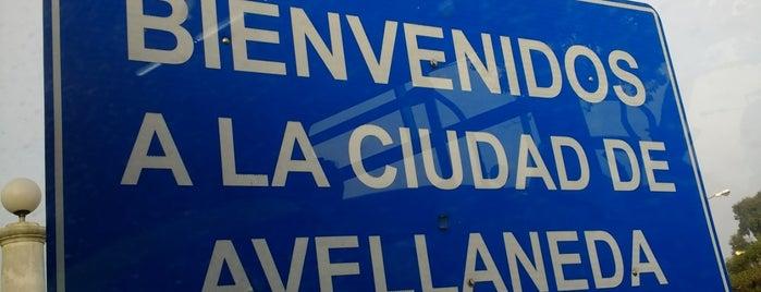 Puente Victorino de la Plaza (Vélez Sársfield) is one of สถานที่ที่ Fernando ถูกใจ.