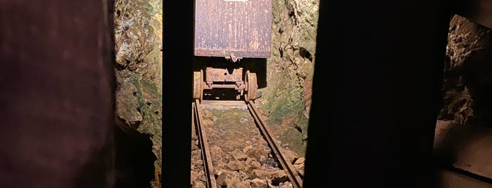 Reed Gold Mine is one of North Carolina.