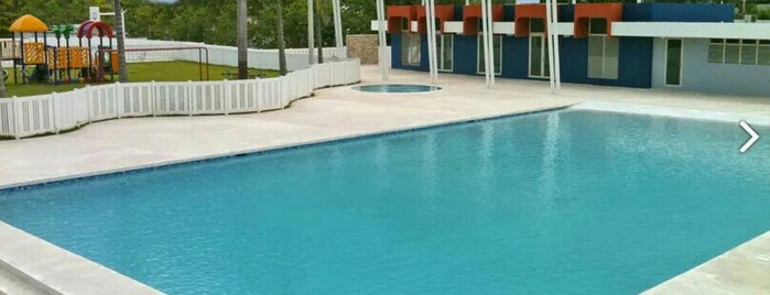 Colinas del Sol-Pool is one of Lugares favoritos de Cristina.
