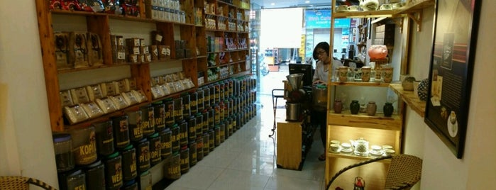 Huong Mai Cafe is one of Hanoi.