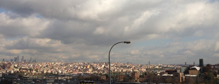 Haliç Köprüsü is one of Istanbul'da Manzara.