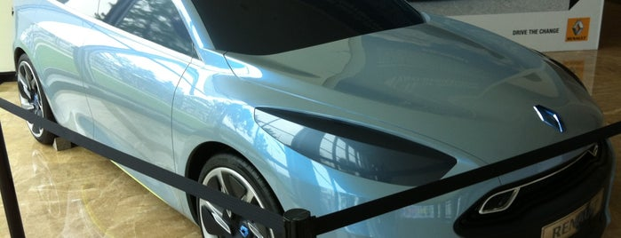 Oyak-Renault is one of Lugares favoritos de Fuat.