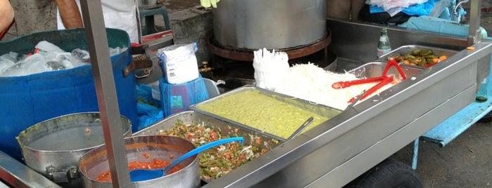 Tacos Zaragoza is one of Posti che sono piaciuti a Guillermo.