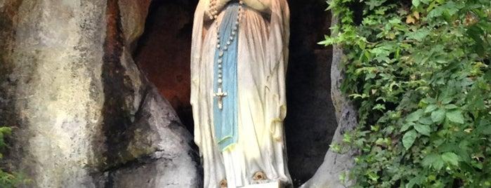 Grotte de Notre-Dame de Lourdes is one of France.