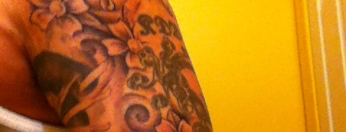 Gator Zap Tattoos is one of Orte, die Chrissy gefallen.
