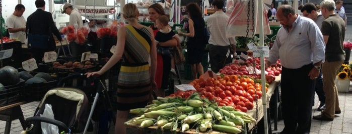 Bowling Green Greenmarket is one of NYC Health: NYC Farmers' Markets.