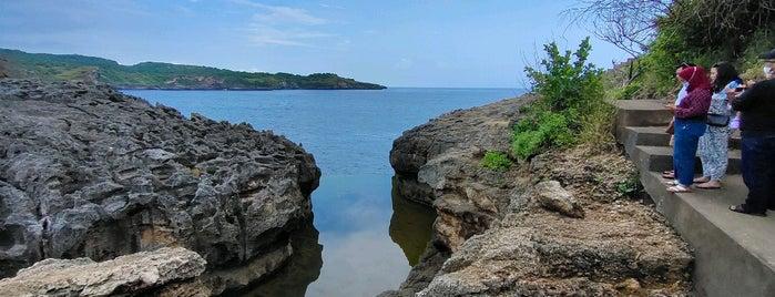 Angel's Billabong is one of Bali Indonésie 🇮🇩.