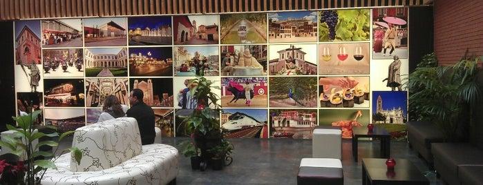 Hotel Enara is one of Lugares favoritos de Carolina.