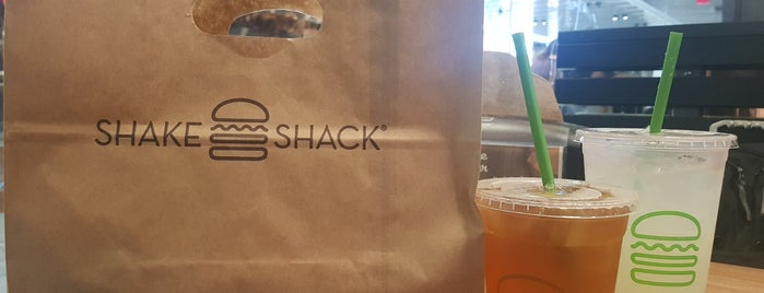 Shake Shack is one of Lugares favoritos de Alan.