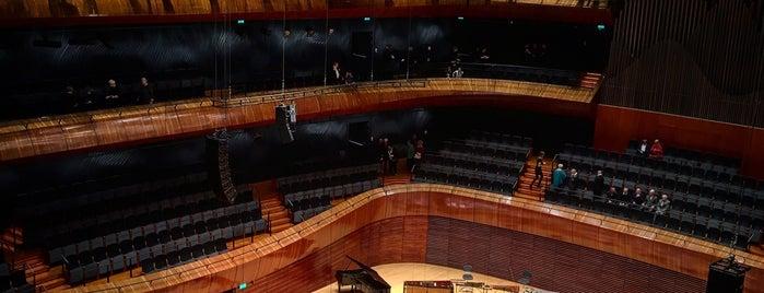 Nationales Symphonieorchester des Polnischen Rundfunks is one of Katowice.