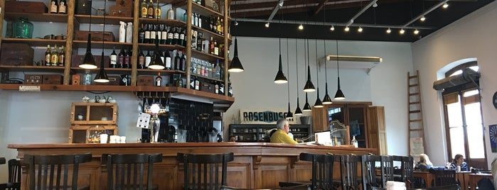Café Vega is one of Orte, die Melina gefallen.