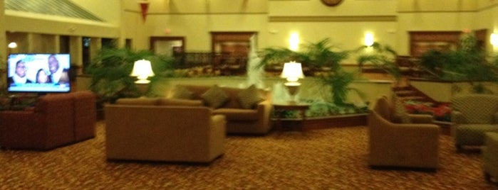 Marriott Columbus Airport is one of Tempat yang Disukai Ken.