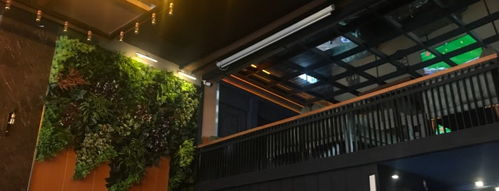 Ari Antik Lounge is one of Posti che sono piaciuti a H kübra.