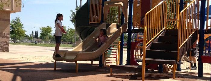 Petit Park is one of Dorothy: сохраненные места.