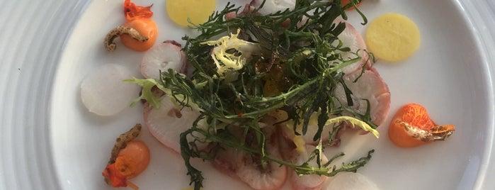 Visrestaurant 't Pakhuus is one of Dominic 님이 저장한 장소.