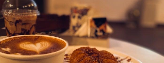 MEEM CAFE is one of Lugares guardados de Queen.