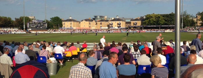 The Essex County Ground is one of Orte, die Mike gefallen.