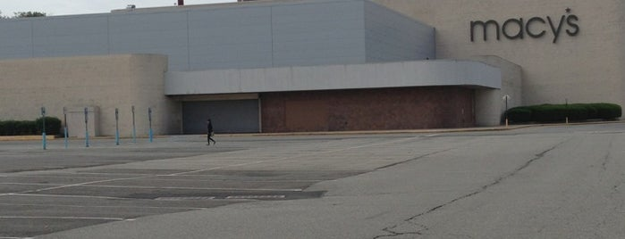Staten Island Mall Parking Lot is one of New York New York.
