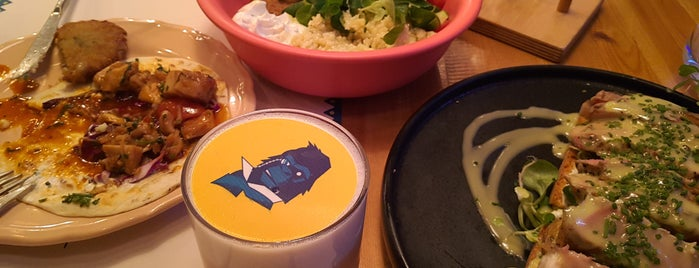 Mahalo Civilized Food is one of Dimitris : понравившиеся места.