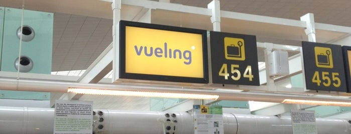 Vueling Check-in is one of Posti che sono piaciuti a Mei.