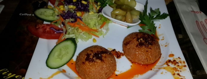 Karnaval Cafe is one of สถานที่ที่บันทึกไว้ของ Metin.
