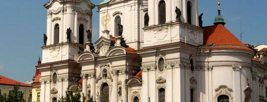 Eski Şehir Meydanı is one of Five Essential Prague Sights.