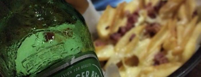 Fábrica 7 Burger & Beer is one of Orte, die Amanda gefallen.