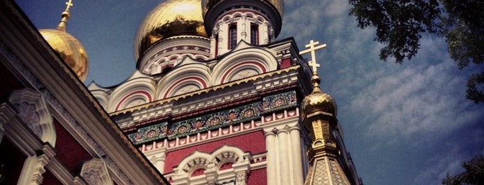 Храм-паметник Рождество Христово is one of Orte, die Jana gefallen.