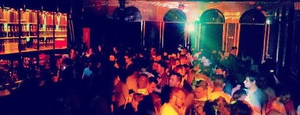 Club 88 is one of Locais curtidos por Daniel.