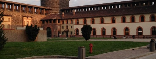 Castello Sforzesco is one of arte e spettacolo a milano.
