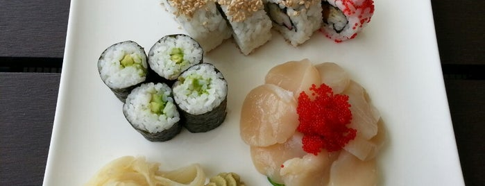 Sushi Factory is one of Locais curtidos por Maja.