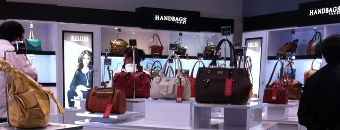 Handbags Chenson is one of Tempat yang Disukai Ely.