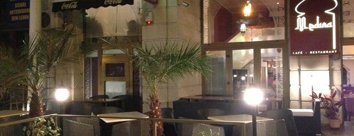 Medina Cafe & Restaurant is one of Locais salvos de Anastasia.