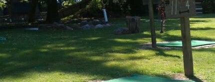Rustic Driving Range & Miniature Golf is one of Lieux sauvegardés par Erin.