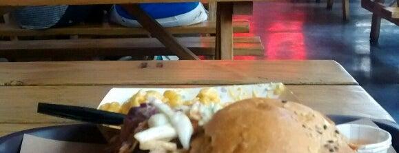 Pinche Gringo BBQ Patio is one of สถานที่ที่ ElJohNyCe ถูกใจ.