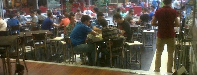 Karayel Cafe is one of Ato'nun Beğendiği Mekanlar.