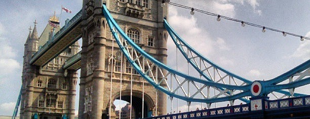 Tower Bridge Piazza is one of Lieux qui ont plu à Karen.