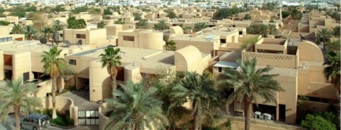 إسكان وزارة الخارجية is one of Tempat yang Disukai Azad.