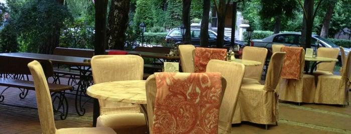 Ресторан «Вика» is one of Orte, die Павел gefallen.