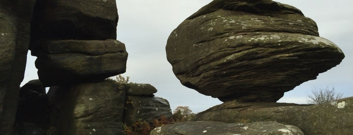Brimham Rocks is one of Lugares favoritos de Viki.
