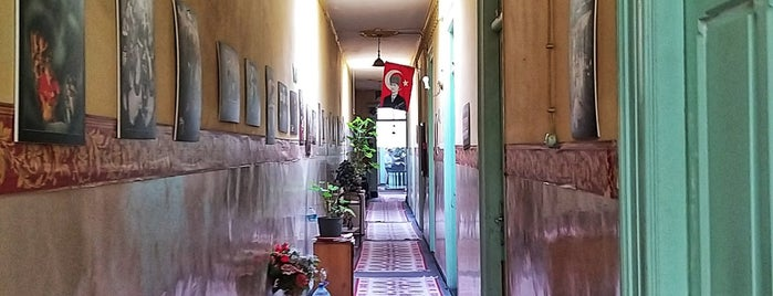 Yeni Şükran Oteli is one of Otel.