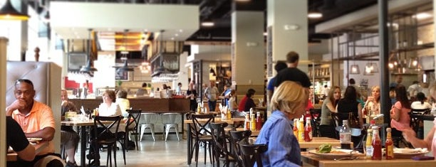 Central Table Food Hall is one of สถานที่ที่ Samantha ถูกใจ.
