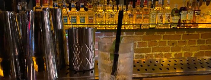 Mathilda's Coctail Bar, Mathildas is one of Gökhan T.'ın Beğendiği Mekanlar.