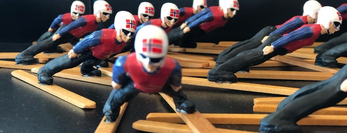 Holmenkollen Ski Jump is one of Damien •さんのお気に入りスポット.
