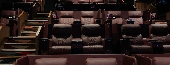 Muvi Cinemas is one of Abdulwahabさんのお気に入りスポット.