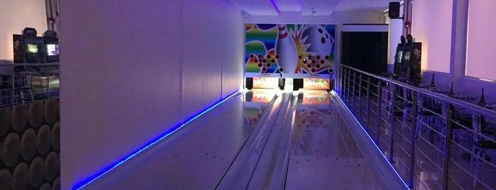 Richesky Bowling & Dance is one of Lugares favoritos de Káren.